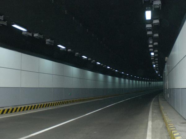 广州东濠涌隧道[艺壁隧道装饰板]